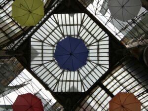 Soffitti con ombrelli