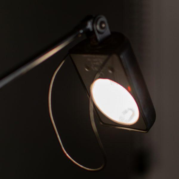 Lampada Accesa da Tavolo Nera Lumina Italia Daphine Tommaso Cimini