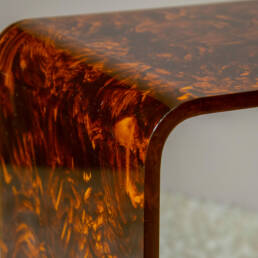 Dettaglio Quattro Tavolini Italiani in Plexiglas Design