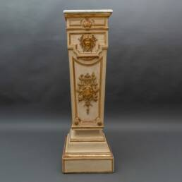 Column in lacquered and gilded wood