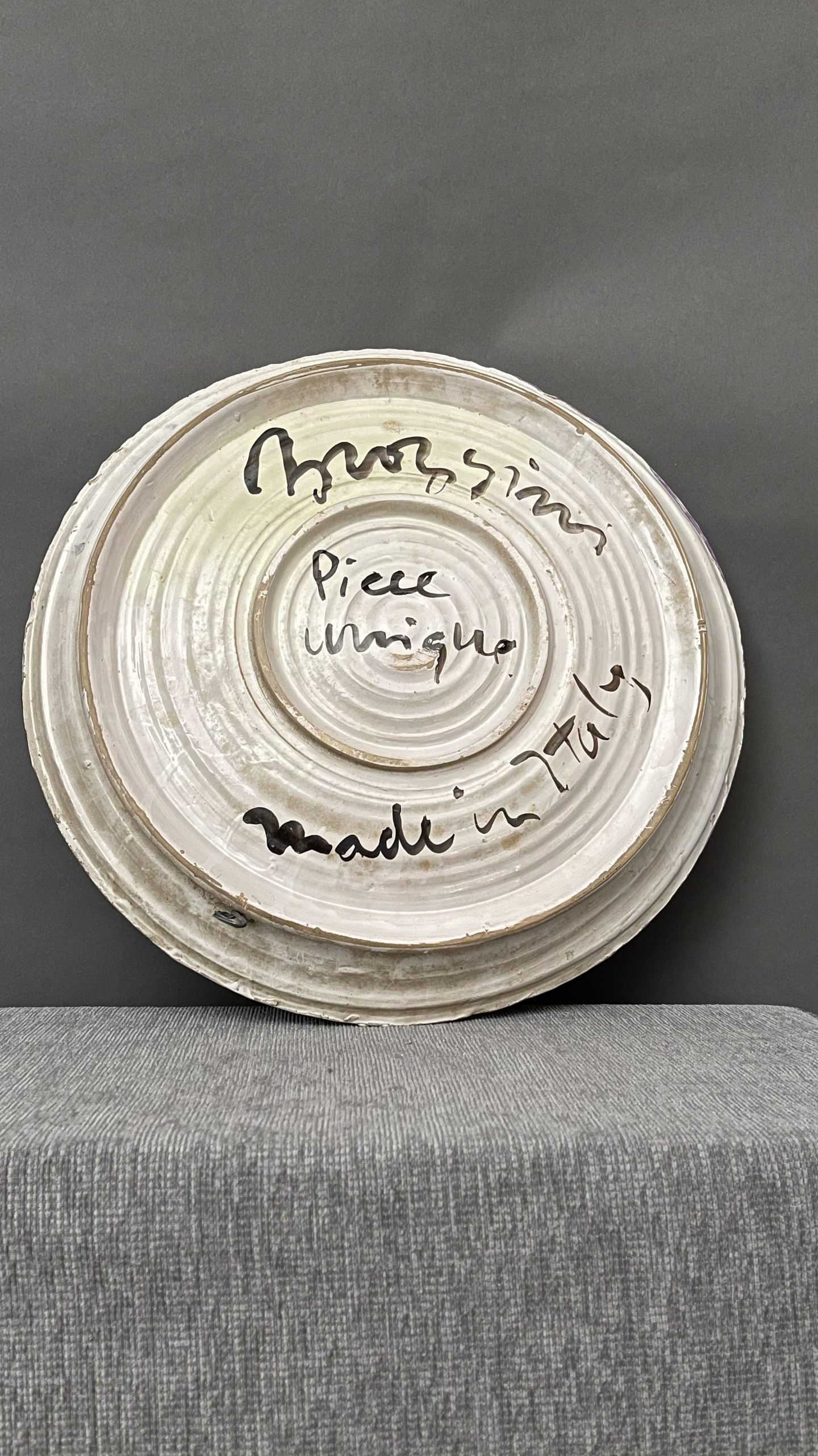 Ceramica smaltata Iscritto nel retro Pièce unique